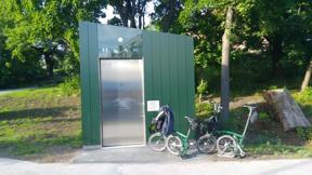 Bild: En toalett vid Liljeholmen kan ju vara bra att känna     till, men nu var den stängd.