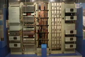 Bild: ERNIE 1.  En tidig dator, byggd 1956 och använd för att slumpa       fram vinnare i Premium Bond-lotteriet.