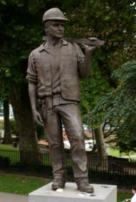 Bild: The Building Worker – en ovanligt fredlig staty.