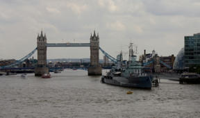 Bild: Tower Bridge och HMS Belfast