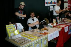 Bild: SC LFMBEC representerade av Brian och Micke.  I bakgrunden       syns Per Demervall.
