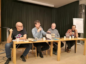 Bild: Inge van Wett, Johan Anglemark, Anders Blixt, och Stefan       Nordin tipsar om gamla böcker